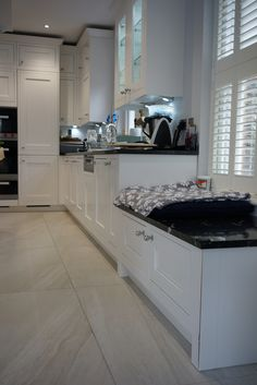 The 1909 Kitchens range is a modern twist on a traditional British kitchen. See our stunning collection of kitchen styles now or visit our kitchen showroom today Traditional British Kitchens, Kitchen Showroom, Kitchen Cabinets, Frame, Modern, Home Decor, Picture Frame, Trendy Tree, Decoration Home