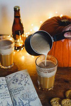 Plongé dans l'univers d'Harry Potter avec la recette de la célèbre bièreaubeurre accompagné de sablés citrouille des reliques de la mort.