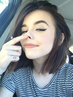 55 Acacia Brinley Hair Inspiration Looks Simple at Every Opportunity - Grunge Makeup, Grunge Hair, Pale Grunge, Beauty Make-up, Hair Beauty, Maquillage Normal, Makeup Tumblr, Tumblr Girls, Hairstyles With Bangs
