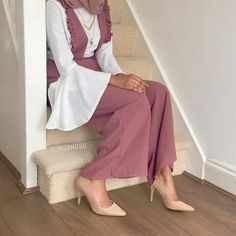 Latest hijab fashion outfits – Just Trendy Girls Hijab Style Dress, Modest Fashion Hijab, Modern Hijab Fashion, Hijab Fashion Inspiration, Hijab Chic, Abaya Fashion, Hijab Outfit, Muslim Fashion, Eid Outfits