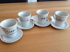 Espressotassenkollektion beschriftet