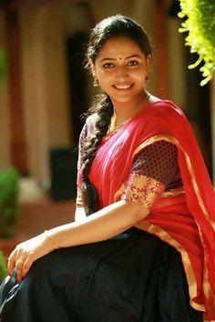 അന സതതര :) Beautiful Girl Indian, Most Beautiful Indian Actress, Beautiful Actresses, Beautiful Bride, Gorgeous Women, Indian Film Actress, Indian Actresses, Saree Photoshoot, South Indian Film