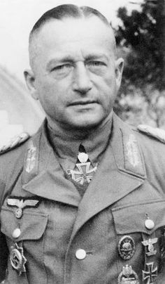 Fischer, Wolfgang 1888-1943 , Officer, (Lt. Gen.) , Germany's commander of the 10. armoured division in Tunesia (north africa) Dec./ Jan. 1942/43  - pin by Paolo Marzioli