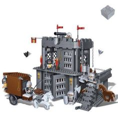 BanBao Prison 705-Piece Building Set