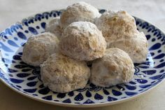 Biscotti alle Mandorle LEGGI LA RICETTA ► http://www.dolciricette.org/2012/12/biscotti-alle-mandorle-ricetta-siciliana.html