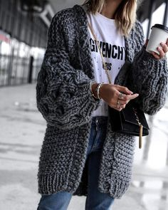 What a comfortable sweater for autumn and winter - Sommer Dresses Mode - Fashion Outfits Hipster Outfits, Cute Outfits, Fashion Outfits, Black Outfits, Fall Outfits For Work, Casual Winter Outfits, Casual Fall, Cold Weather Outfits, Outfits Spring