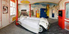 Le V8 Hôtel... 100% automobile!