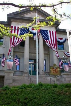Veterans Memorial Hall - Rockford, IL