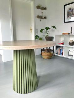 Diy Furniture Table, Small Furniture, Diy Furniture Projects, Furniture Design, Diy Interior Hacks, Cafe Tables, Idee Diy, Apartment Living, Home Decor Inspiration