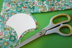 A rather useful clamshell tutorial for my one-day clamshell quilt