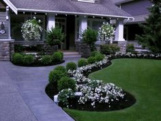 Gorgeous 47 Amazing Front Yard Walkway Landscaping Ideas https://toparchitecture.net/2017/11/07/47-amazing-front-yard-walkway-landscaping-ideas/