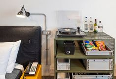 LDN_Room_Amenities_001_10.08.2013_CC_Andrew Meredith