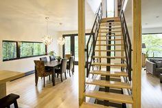 Staircase by Construction McKinley Escalier par Construction McKinley