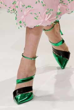 Christian Dior Spring 2013 Couture: Ankle strap stiletto-heeled shoe with pointed toe. Dior Haute Couture, Couture Shoes, Me Too Shoes, Moda Fashion, Fashion Shoes, Christian Dior, Fashion Vestidos, Zapatos Shoes, High Heels
