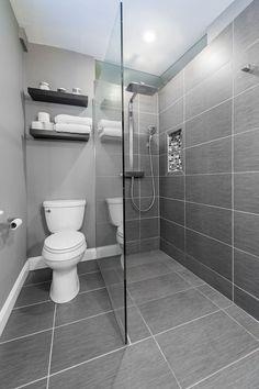 Gray Tile Bathroom Floor For Small Bathroom - Grey and White Bathroom Ideas Badezimmer Badezimmer dusche Badezimmer fliesen Small Bathroom Tiles, Bathroom Tile Designs, Modern Bathroom Design, Bathroom Interior Design, Master Bathroom, Small Bathrooms, Bathroom Ideas, Bathroom Grey, Shower Bathroom