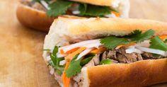 Recette de Banh-mi ou sandwich vietnamien aux carottes, concombres, coriandre et mayonnaise à la sauce Sriracha©.