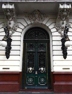 Distancia Focal | Fotos del mes – OCTUBRE 2012 - Puertas y Ventanas - By Gatubela