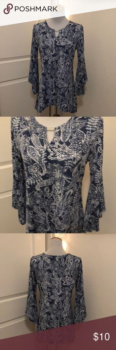 Cocoon blue and white floral bohemian blouse s Very nice blouse  Size small  Armpit to armpit laying flat 18 Length 28 cocomo Tops Blouses