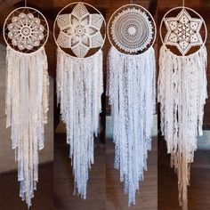 i would definitely make these out of ma's old doilies! Doily Dream Catchers, Dream Catcher Boho, Crochet Dreamcatcher, Crochet Mandala, Creative Crafts, Diy And Crafts, Diy Dream Catcher Tutorial, Bohemian Crafts, Doily Art