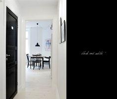 White House, Black Doors-I do love this!