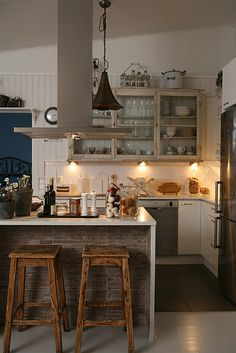 mixing industrial, rustic, cottage in a kitchen Love it !!!! So cute and small! Just my size!