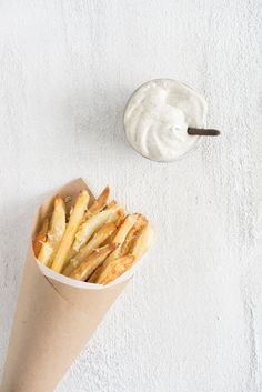 Oven fries with truffle aioli — Cloudy Kitchen Easy Snacks, Yummy Snacks, Appetizer Recipes, Snack Recipes, Appetizers, All U Can Eat, Truffle Fries, Homemade Pastries, Truffle Recipe