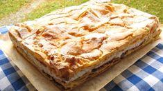 Křehounké nadýchané odpalované těsto a v něm pořádná porce tvarohové náplně dochucené výraznými povidly. Dokonalý moučník, který si snad musí zamilovat každý :) Sweet Desserts, Apple Pie, Food And Drink, Fresh, Recipes, Ripped Recipes, Apple Pie Cake, Cooking Recipes