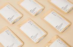 온라인 셀렉트샵 29CM Pouch Packaging, Food Packaging, Brand Packaging, Packaging Design, Packaging Ideas, Ecommerce Packaging, Food Branding, Asian Design, Home Candles