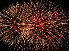 We are a professional firework display company offering high quality, professionally-fired firework displays for all occasions: parties, weddings and corporate events as well as November 5th and New Year Fireworks. Mainly working in the Lancashire, Cumbria (Lake District) and the North West (Cheshire, Manchester, Merseyside, Lancashire, Yorkshire, Borders) area, we specialise in providing spectacular displays at affordable prices.