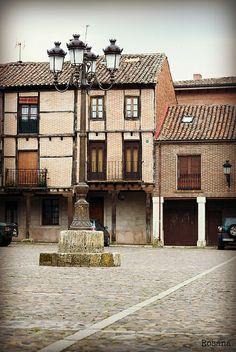 Plaza Vieja, Saldaña, Palencia | Flickr: Intercambio de fotos