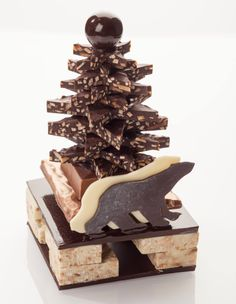 Noël - Pascal Caffet Chocolate Christmas Gifts, Chocolate Tree, Christmas Deserts, Chocolate Gifts, Chocolate Desserts, Chocolate Shoppe, Chocolate Dreams, Sublime Chocolate, Chocolate Showpiece
