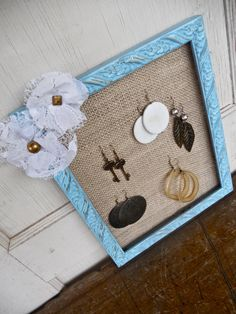 burlap, lace, & turquoise... i need this