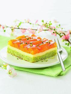 Ein sommerlicher Kuchen mit Mandarinen und Pistazien