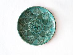 Wand Keramik Teller, smaragdgrüne Keramik Schale, moderne Keramik by Tanja Shpal, Wohndekor, Tisch Deko Schussel, Haus Deko von ceralonata auf Etsy
