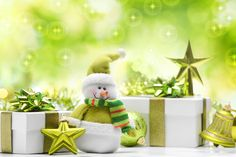 Snowman, toy, green, tree, gifts, balloons, stars, christmas, new year wallpaper