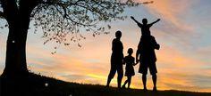 Το να είσαι γονιός δεν διδάσκεται στο σχολείο. Με τις συμβουλές των ειδικών, όμως, μπορούμε να αποφύγουμε τις κακοτοπιές και να γίνουμε λίγο καλύτεροι στον σπουδαίο ρόλο μας. Kai, Celestial, Sunset, Outdoor, Outdoors, Sunsets, Outdoor Games, The Great Outdoors, The Sunset