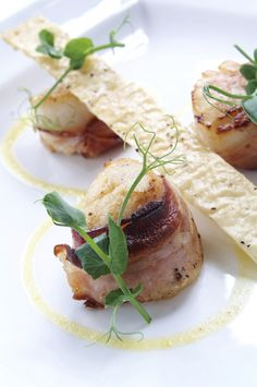 Coquilles in bacon stock