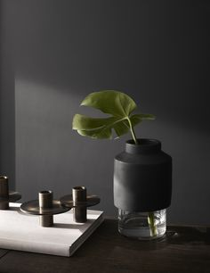 Menu -  Willmann Vase in black Concrete by Hanne Willmann Image: Yellowsstudio…