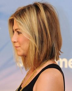 Jen's angled shoulder length bob. Another great option for when I chop it off! ;)