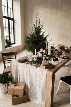 5 Easy Steps in making your home dreamy for Christmas - Daily Dream Decor - Happy Christmas - Noel 2020 ideas-Happy New Year-Christmas Hygge Christmas, Noel Christmas, Rustic Christmas, Christmas Mantles, Victorian Christmas, Christmas Lights, Vintage Christmas, Xmas, Christmas Ornaments