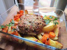 Kräuterkotelett mit Karotten und Kartoffeln aus dem Ofen, ein schmackhaftes Rezept aus der Kategorie Braten.