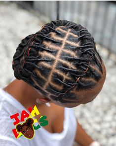 dreadlock styles Were still showcasing clean and crisp loc retwist! Check these photos out and see how amazingly healthy these clients locs are as well Short Dread Styles, Dreads Styles For Women, Short Dreadlocks Styles, Short Locs Hairstyles, Short Dreads, Dreadlock Styles, Twist Hairstyles, Curly Hair Styles, Natural Hair Styles