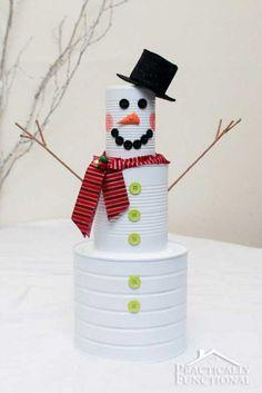 Bonhomme de neige en canettes