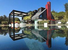 + Arquitetura :     Bom dia!  Conheça a casa que é controlada por aparelhos da Apple, desenvolvida pela Architects Hita & Partners e localizada em Madrid (Espanha).