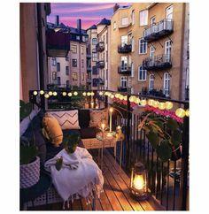 Variety of balcony design Vielzahl von Balkon-Design Small Balcony Design, Small Balcony Garden, Small Balcony Decor, Apartment Balcony Decorating, Apartment Balconies, City Apartment Decor, Balcony Lighting, Bedroom Balcony, Dream Apartment
