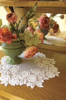 Heritage Lace Tea Rose 15-inch Doily in White, Ecru, Pink