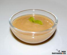 Salsa de gambas Sauce Recipes, Cantaloupe, Dips, Spicy, Pudding, Cream, Fruit, Sauces, Desserts
