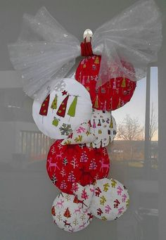 door Christmas decoration, made by Latky USIMITO from fabrics by Copengahen Print Factory