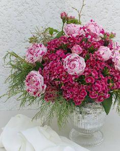 """51 Gostos, 4 Comentários - a pajarita (@a_pajarita) no Instagram: """"Today is de party day! Photo and flowers by a pajarita ♡ . . . . . . #apajarita #flowers…"""""""