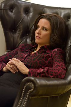 """Don't you love the """"Yeah, they can freaking keep it!""""look on her face? Julia Louis Dreyfus, Sarah Palin, Vice President, Capsule Wardrobe, Style Ideas, Muse, Potato, Hair Makeup, Cable"""